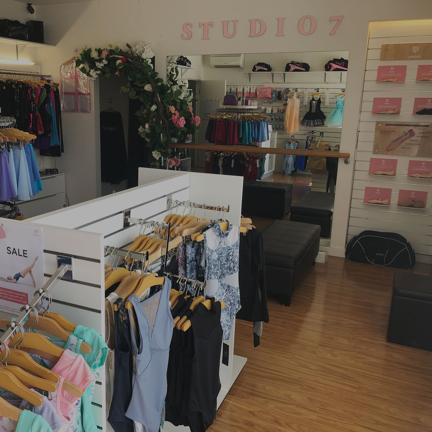 studio 7 outlet interior